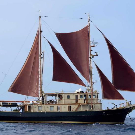 NEW VAGABUNDA '43 - Vintage Yacht